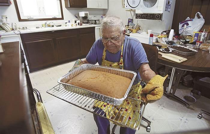 Лео Келлер печет вкуснейшие пироги.