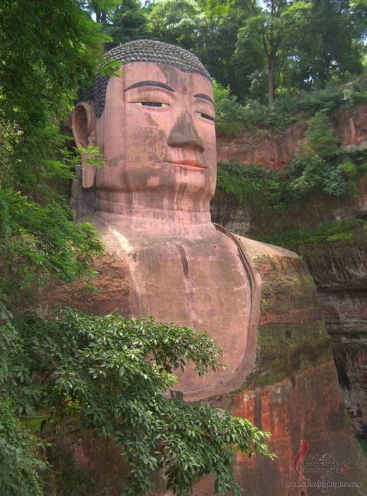 Высота Большого Будды - 71 м