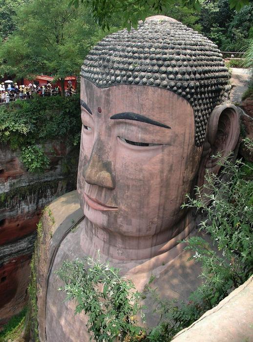 Большой Будда - самая высокая статуя в мире (Лэшань, Китай)
