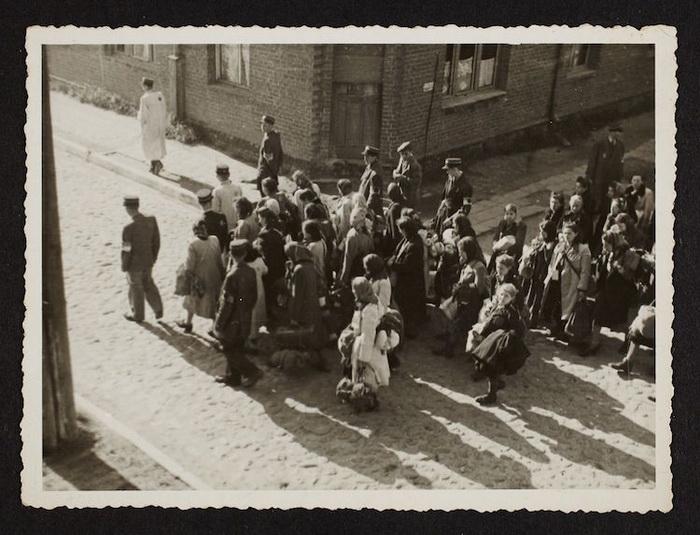 Массовая депортация евреев.