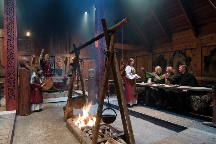 Банкет в музее викингов в Лофотре, Норвегия.