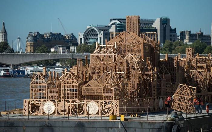 Деревянный макет Лондона от Дейвида Беста
