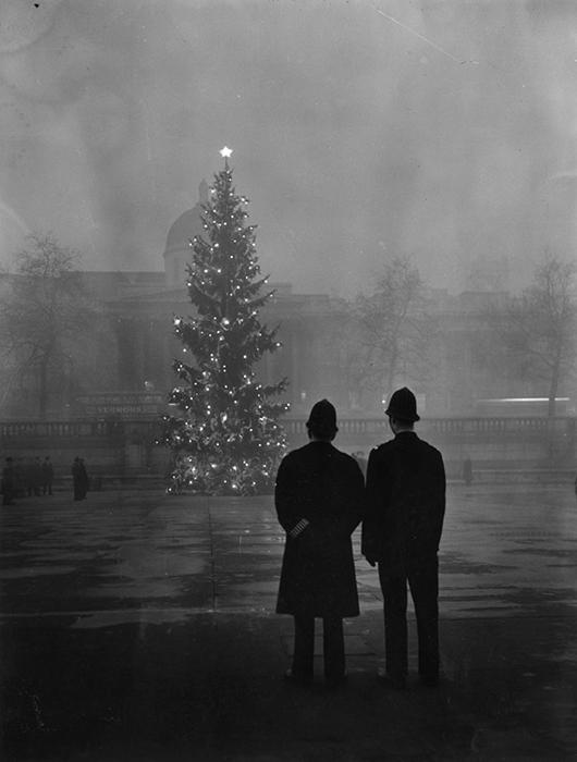 Трафальгарская площадь, 1 декабря 1948 года