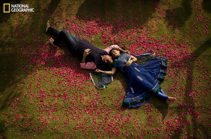 Влюбленная пара в фотопроекте от National Geographic