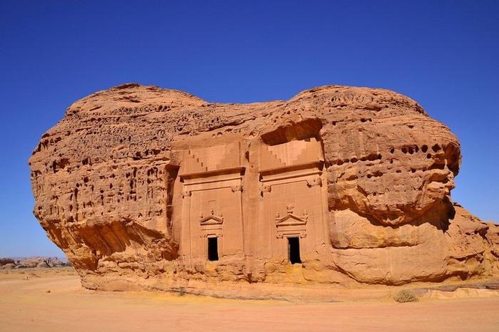 Мадаин-Салех – крупнейший памятник древней архитектуры в Саудовской Аравии