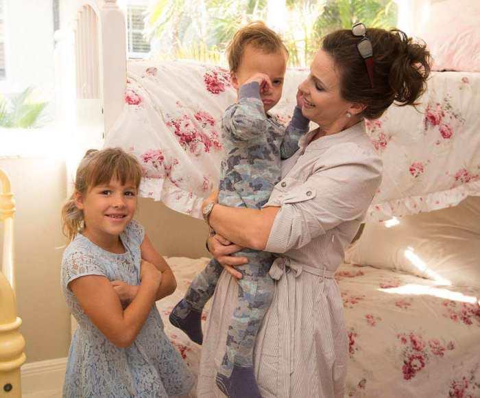 Лиетт Рибэк с детьми.