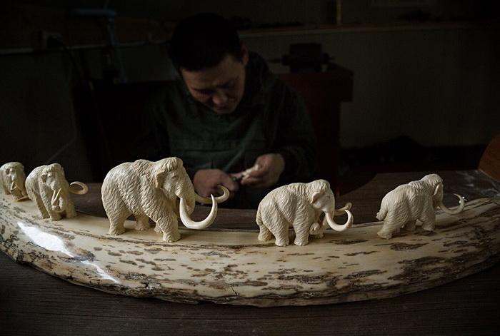 Поделки из бивней мамонта