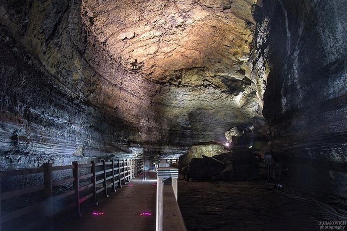 Лавовые тоннели на острове Чеджудо (Корея)