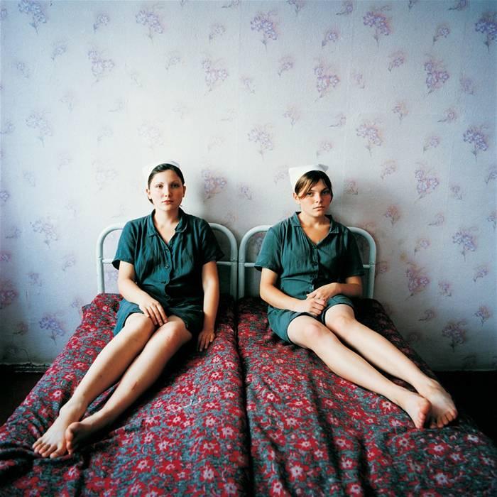 Лена и Катя. Женская колония для несовершеннолетних. Украина, 2009