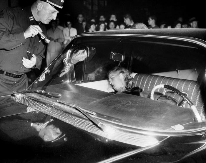 В 1959 году девушку нашли застреленной на переднем сидении черного кадиллака Малыша Оги Писано