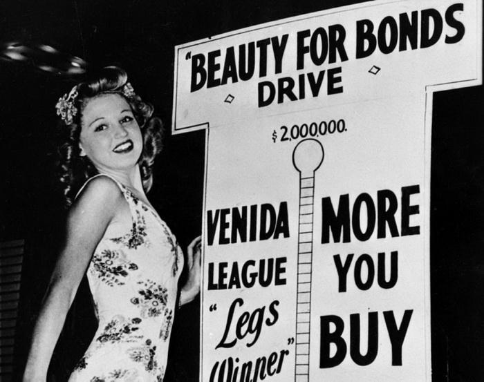Дженис Дрейк завоевала в юности титул Мисс Нью-Джерси, а после провела несчетное количество ночей в барах и клубах с самыми известными гангстерами