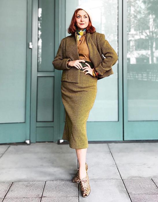 Джессика Паркер в строгом костюме