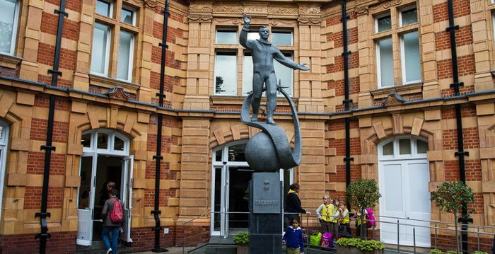 Памятник Юрию Гагарину в Гринвиче