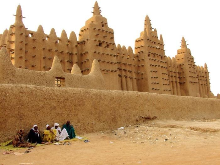 Стена Великой мечети Дженне.