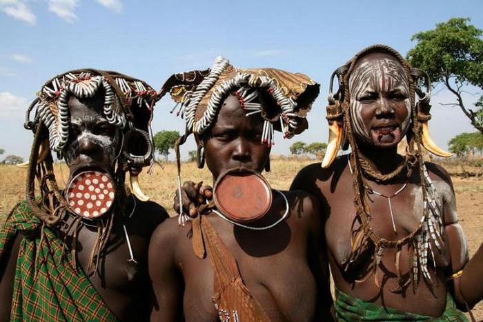 Самые завидные невесты племени мурси
