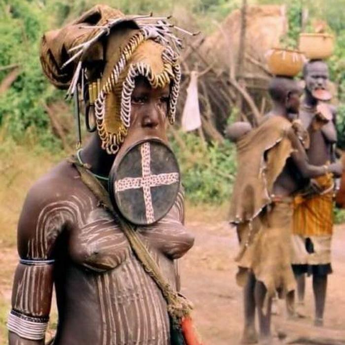 Верховная жрица племени мурси