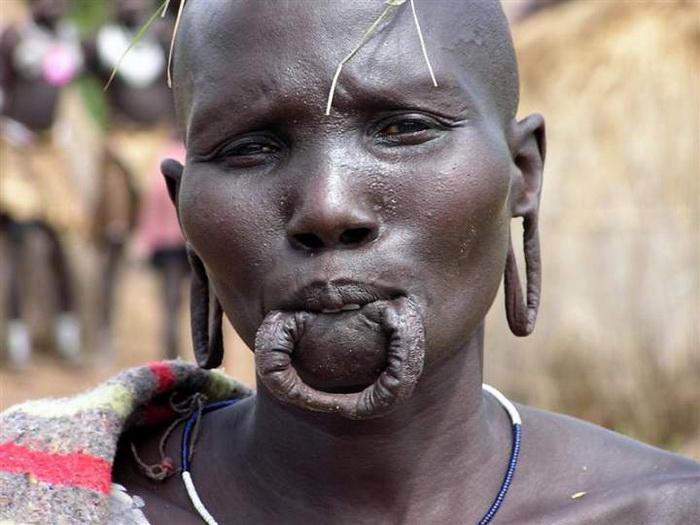 Отсутствие глиняного диска свидетельствует о том, что женщина хочет выйти замуж