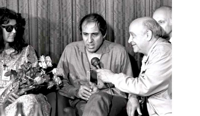 Ролан Быков берёт интервью у Адриано Челентано. 1987 г. Перед концертом в Олимпийском