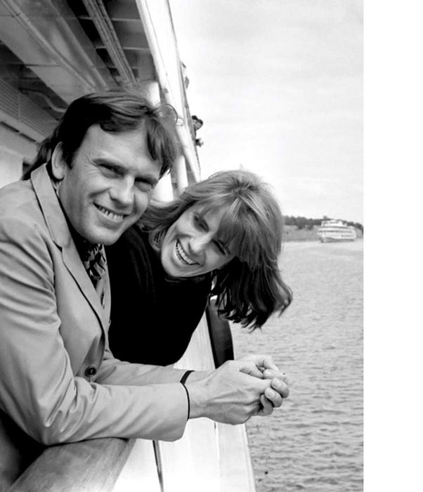 Актер Жан-Луи Трентиньян и его жена Надин. 1967 г. V Московский кинофестиваль