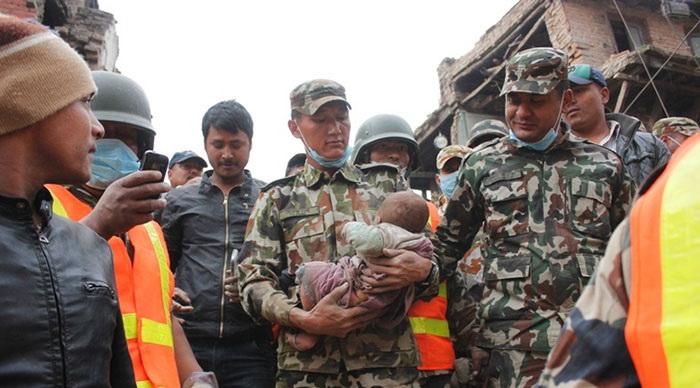 Невероятное спасение после землетрясения в Непале