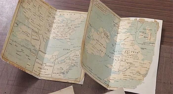 Карты, переклеенные на новые листы бумаги