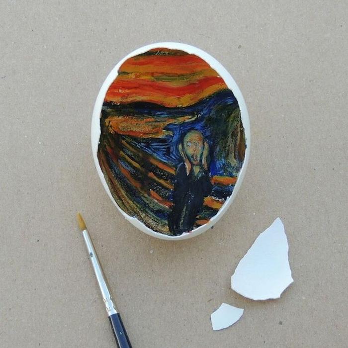 Копия картины Мунка в яичной скорлупе