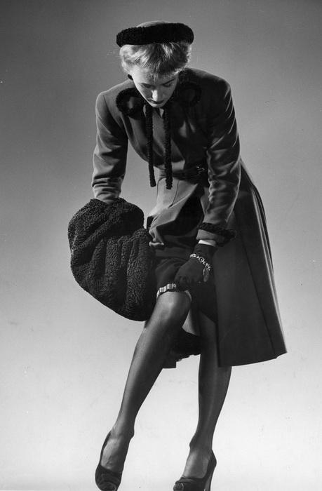 Соблазнительный образ, 1946 год