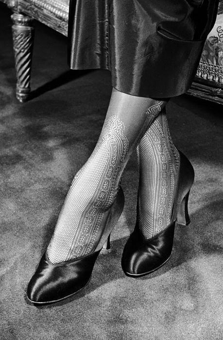 Кружевные чулки с узором, 1948 год