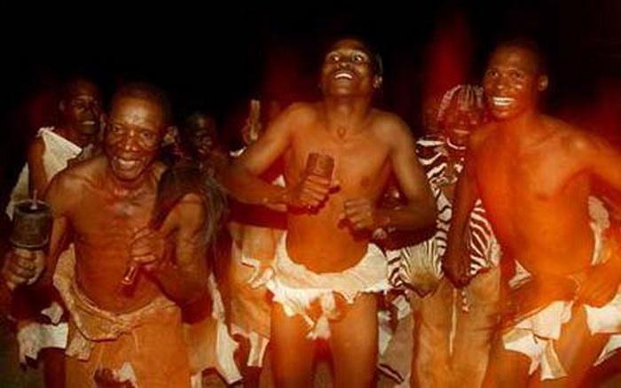 Мужчины племени окаванго