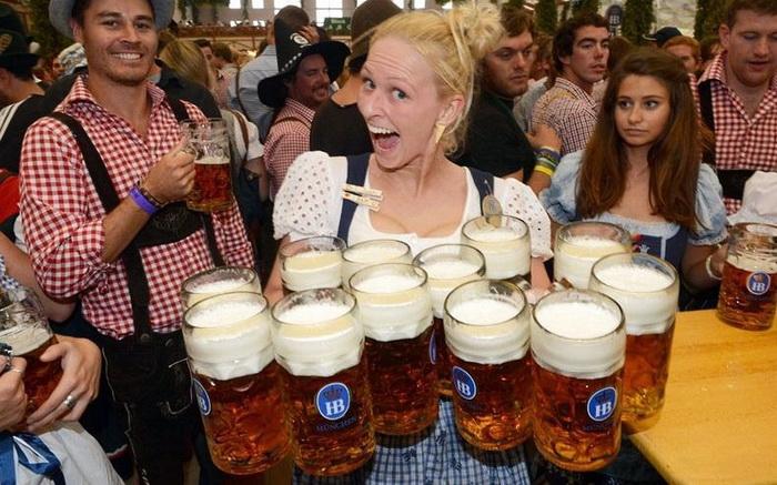 Октоберфест-2012: 12 кружек с мюнхенским пивом