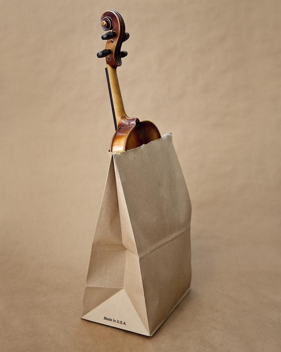 Штат Юта. Запрещено ходить по улице со скрипкой, завернутой в бумажный пакет.