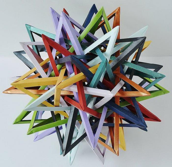 Горизонт событий. Оригами от Byriah Loper