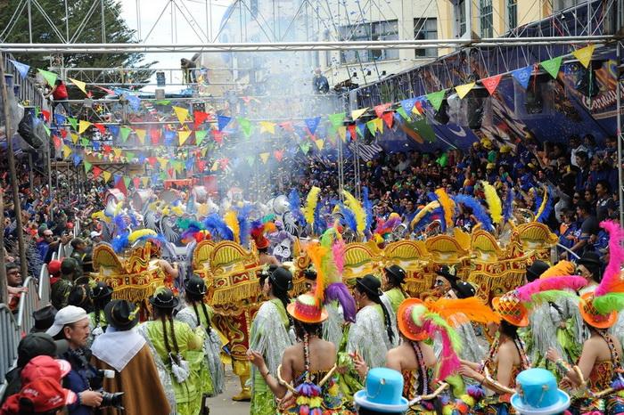 Масштабы карнавала впечатляют!