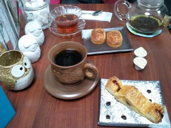 Оригинальная посуда в тематическом совином кафе