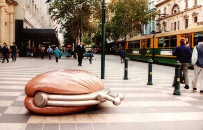 Памятник кошельку, Мельбурн (Австралия).