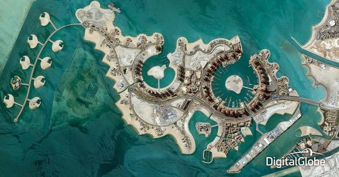 Остров, по форме напоминающий нить жемчуга