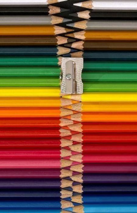 Креативные идеи для офисных сотрудников: молния из карандашей