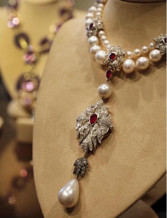 Жемчужина Перегрина грушевидной формы считается самой большой и дорогой в мире.