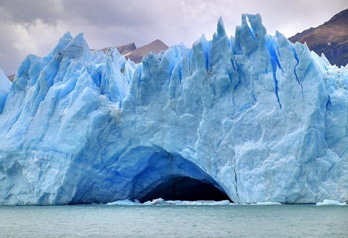 Разлом ледника Перито-Морено