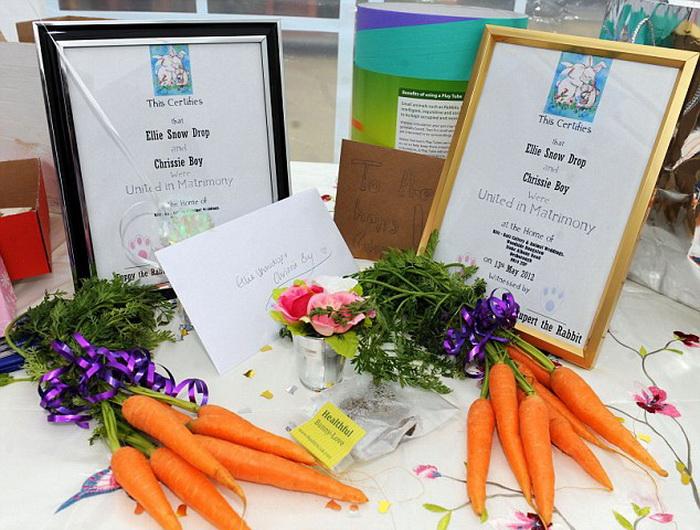 Символический букет из моркови для крольчихи-невесты