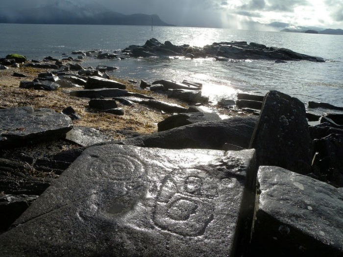 Древние петроглифы на Аляске