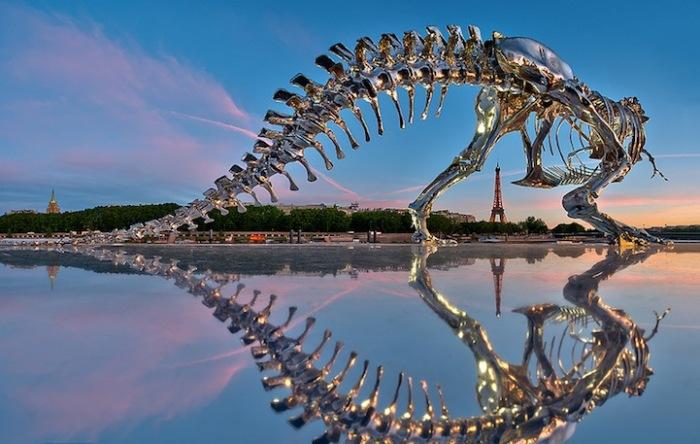 Скульптура тираннозавра от Philippe Pasqua