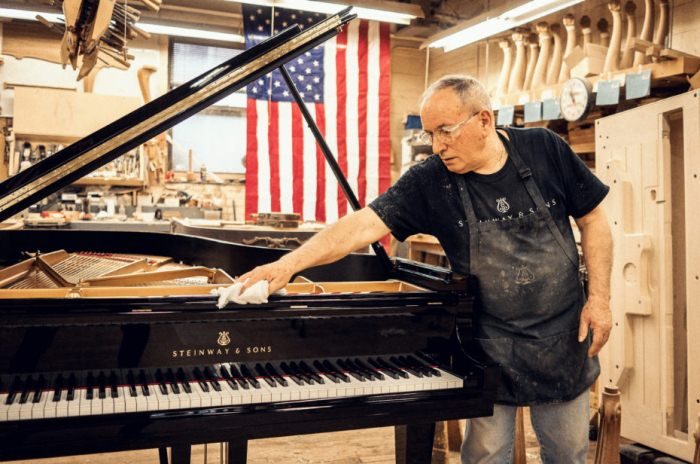 Как производят пианино: виртуальная экскурсия.