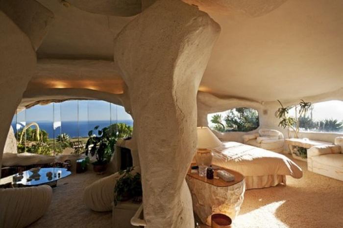 Необычный дом Флинстоунов: назад в каменный век