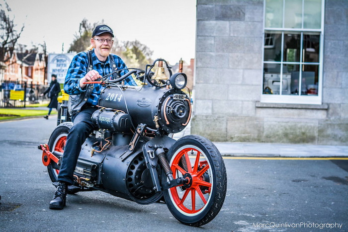 Рене Ван Тули и стимпанк-мотоцикл 'Черная жемчужина'