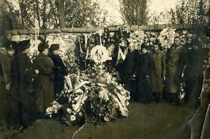 Похороны Риммы Ивановой   Фото: stavmuseum.ru