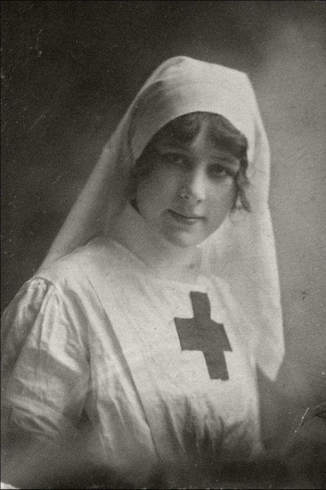 Римма Иванова самозабвенно ухаживала за ранеными на войне | Фото: xx-centure.com.ua