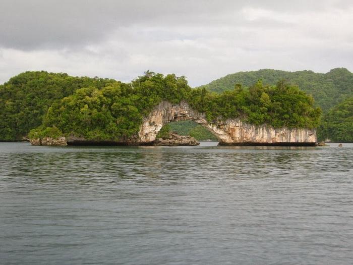 Архипелаг насчитывает около 250 островов