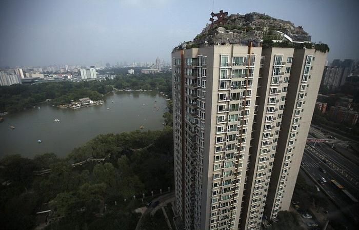 Горную виллу выстроили на крыше 26-этажного дома