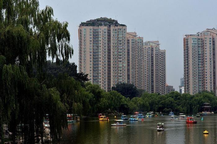 Чудеса китайской архитектуры: вилла на крыше высотки